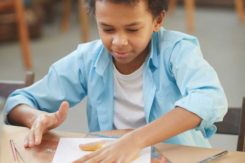paint and art sensoryactivities for children with Autism